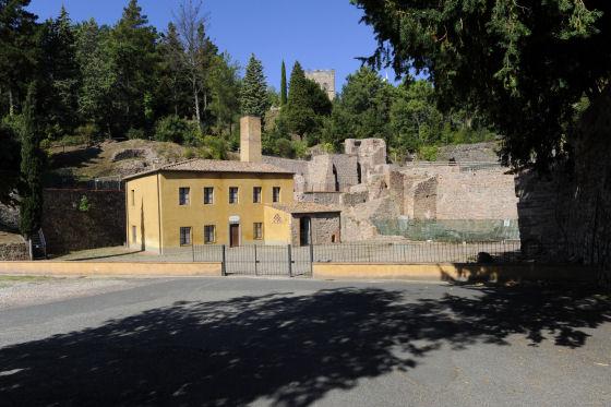 Montecatini, vista esterna della miniera