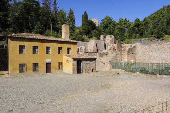 Montecatini, ancora una vista esterna della miniera